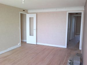 rénovation des peintures et papier peint d'un logement